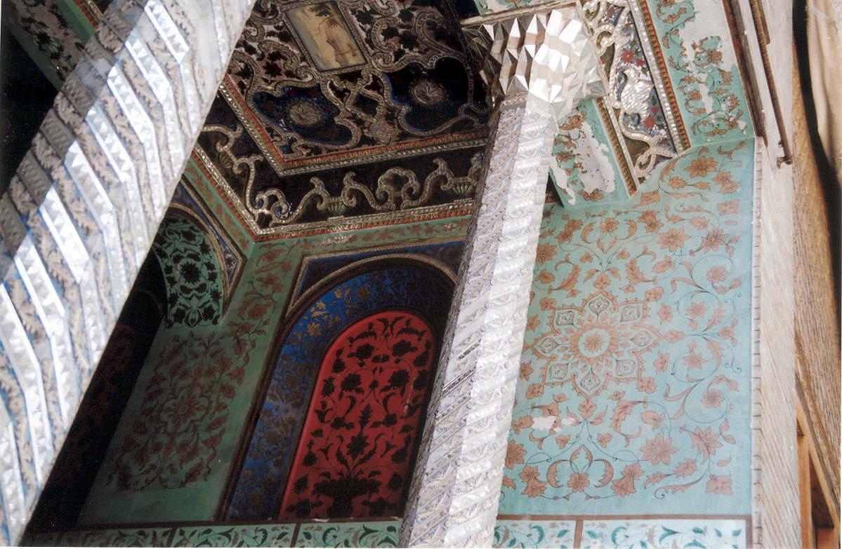 Golestan_Palace,_Tehran,_Iran_(1248436227).jpg