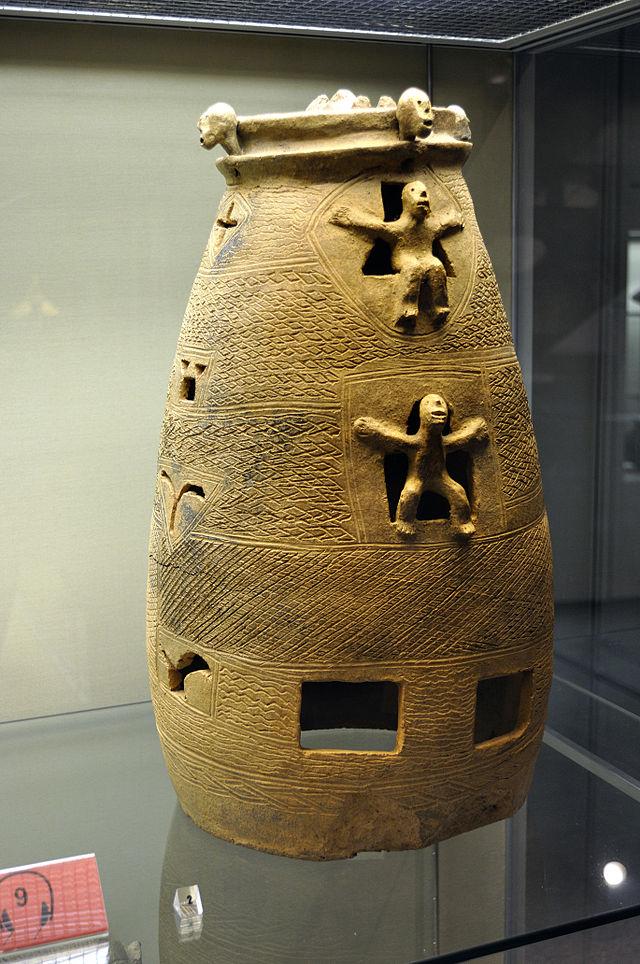 Grabstele_der_Woyo,_Hetjens-Museum_Düsseldorf_(DerHexer).JPG