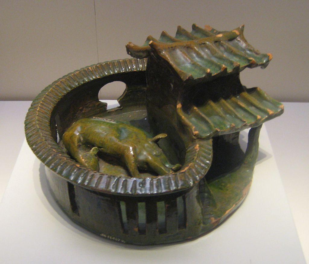 Green-glazed_pottery_pigpen.jpg