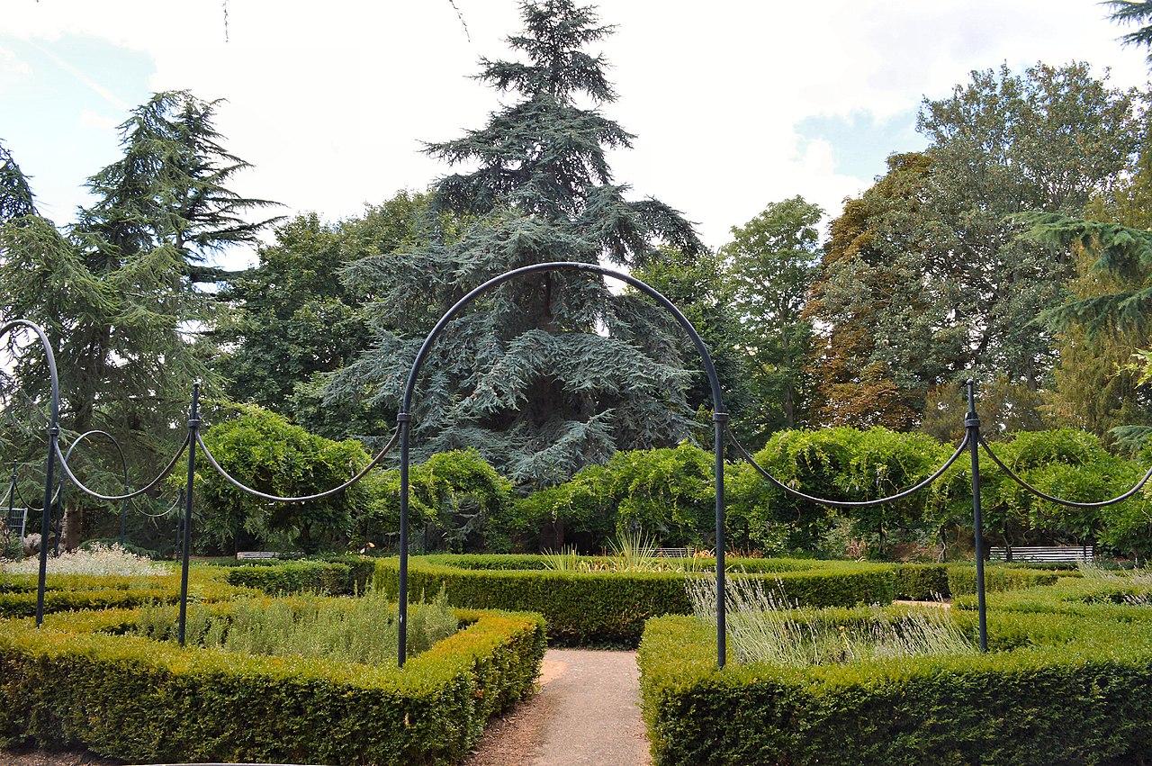 Gunnersbury_Park,_Italian_Garden нач 19 в.jpg