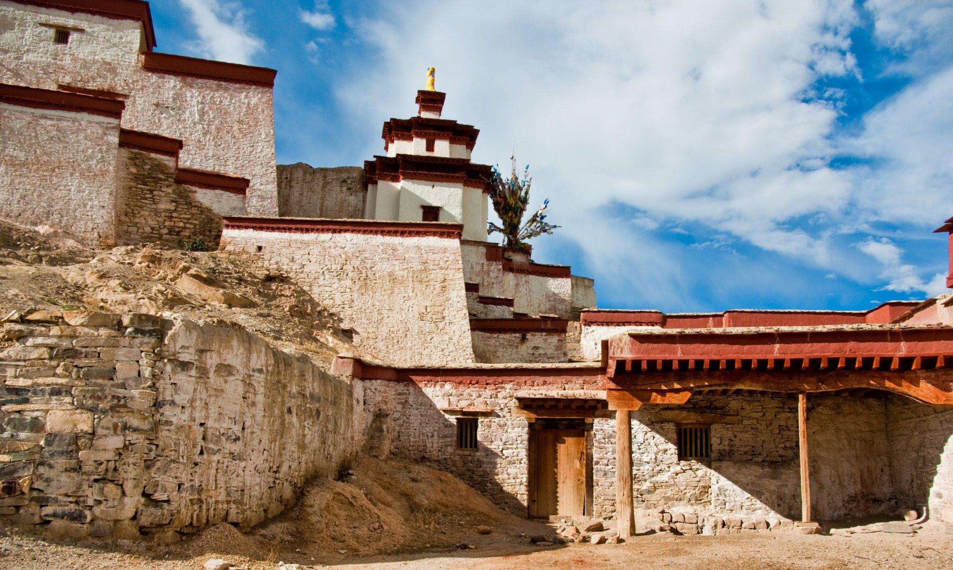 Gyantse_Dzong.jpg