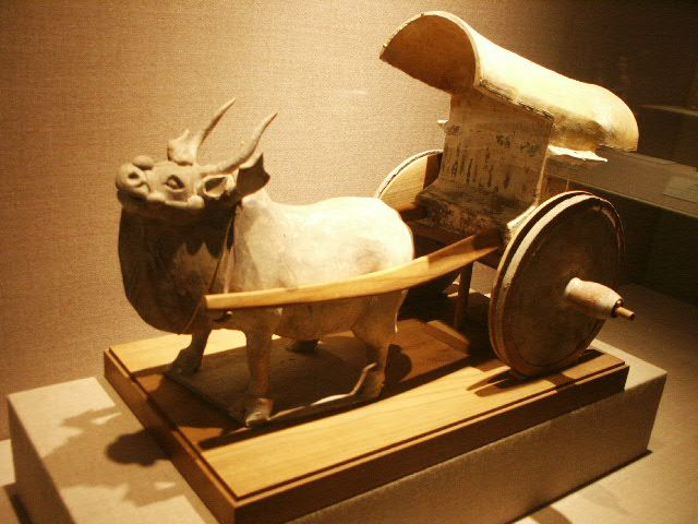 Han_Dynasty_ox_cart.JPG