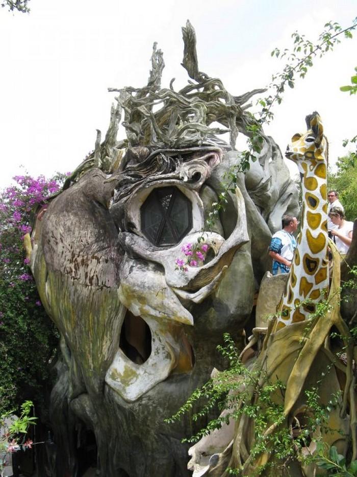 Hang-Nga-Crazy-House-Dalat1.jpg