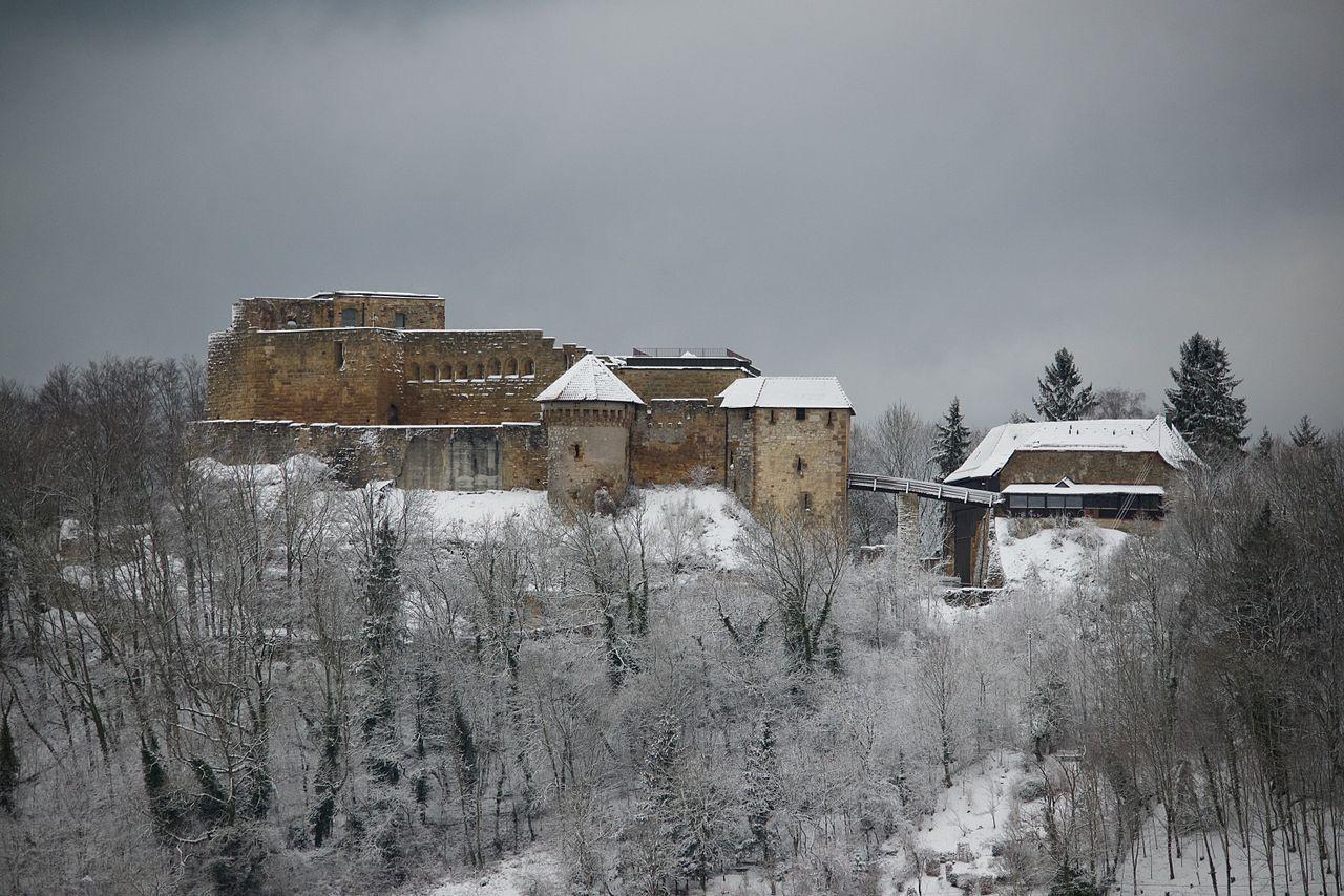 Hohenrechberg_im_Winter.jpg