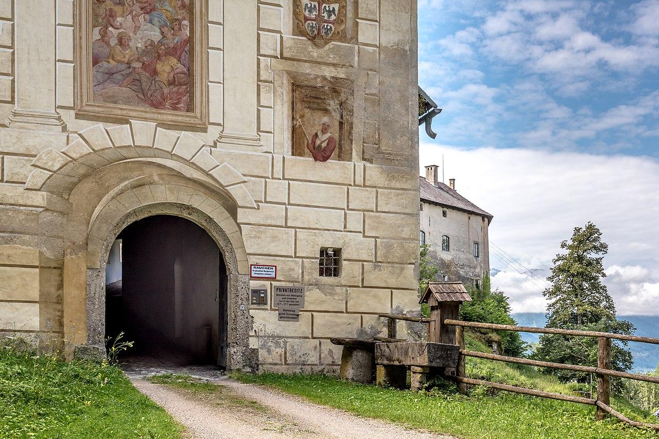 Hollenburg_Toranlage_N-Ansicht_13072018_3903.jpg