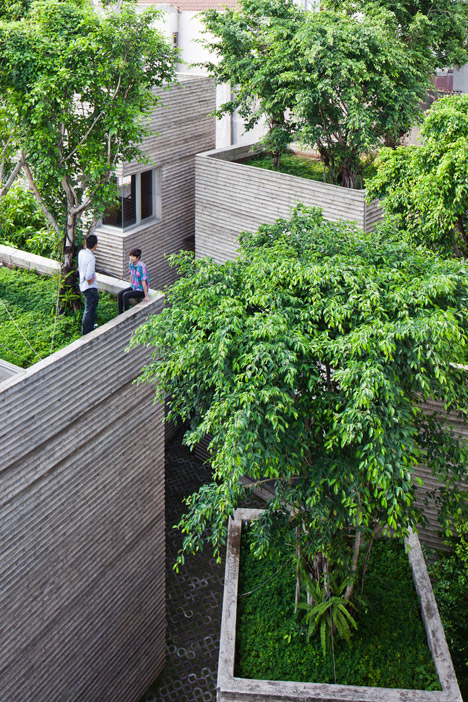 House-for-Trees-by-Vo-Trong-Nghia-Architects_dezeen_468_1.jpg