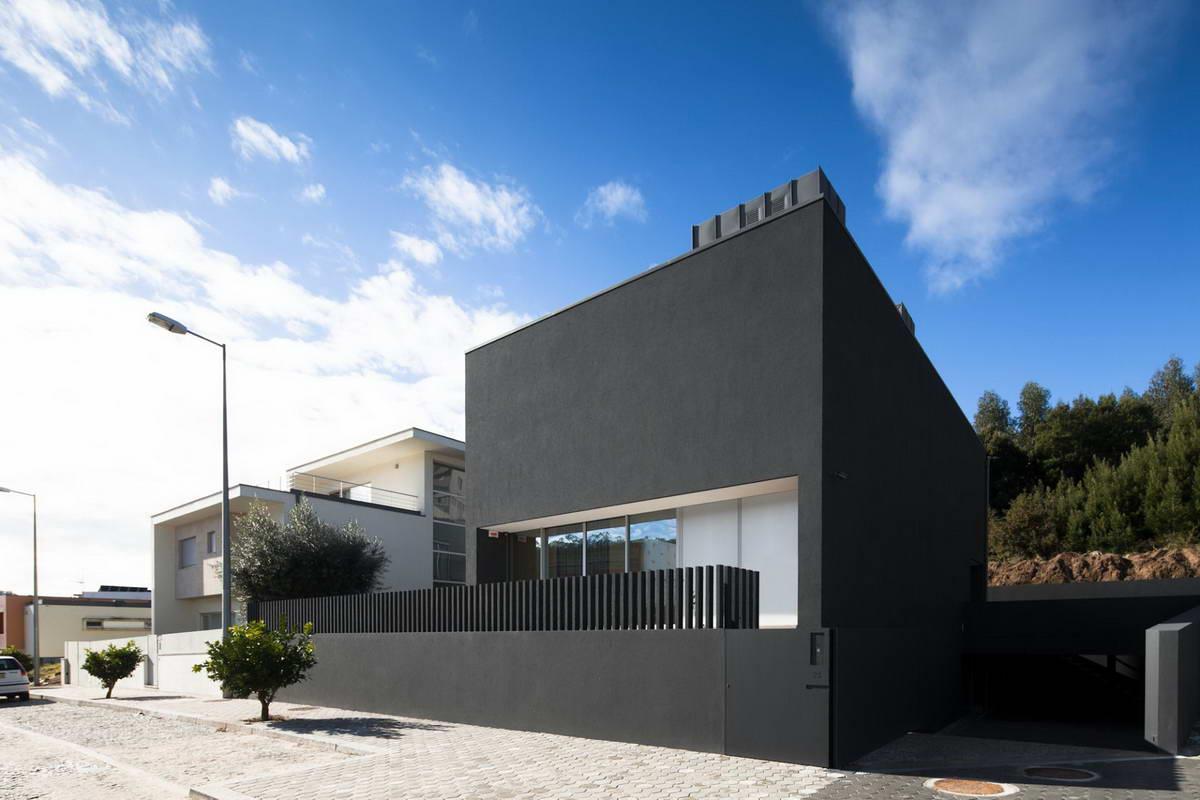 House-in-Penafiel-8.jpg