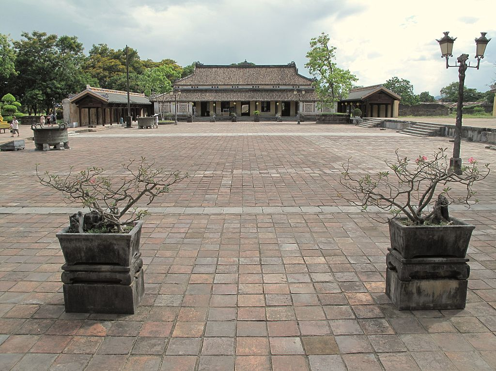 Hue_Imperial_City_(7351251890).jpg
