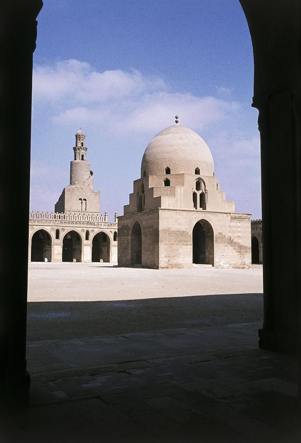 Ibn-Tulun-moskeen_-9 вCairo_-Egypten.-HMH.jpg
