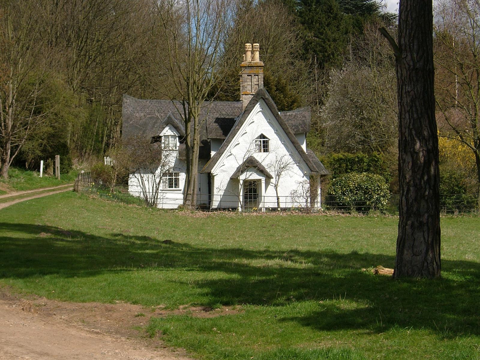 Ickworth_Park_-Suffolk,_England-17April2006.jpg