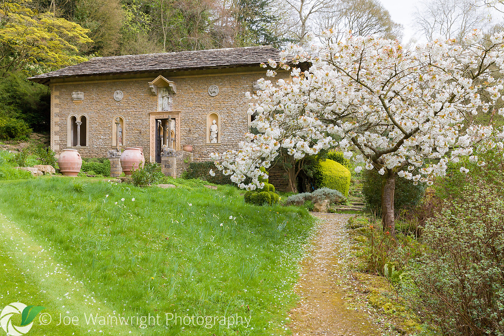Iford-Manor-The-Peto-Garden-in-April-15.jpg