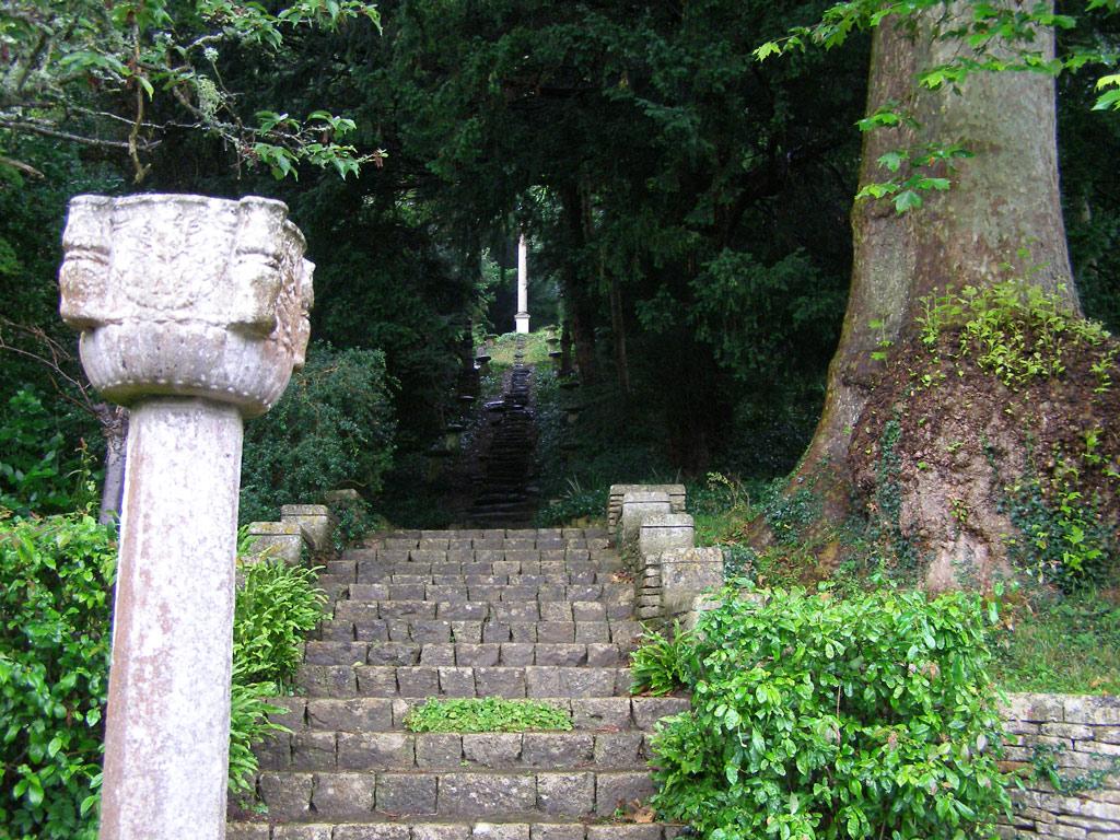 iford_manor_steps_original.jpg