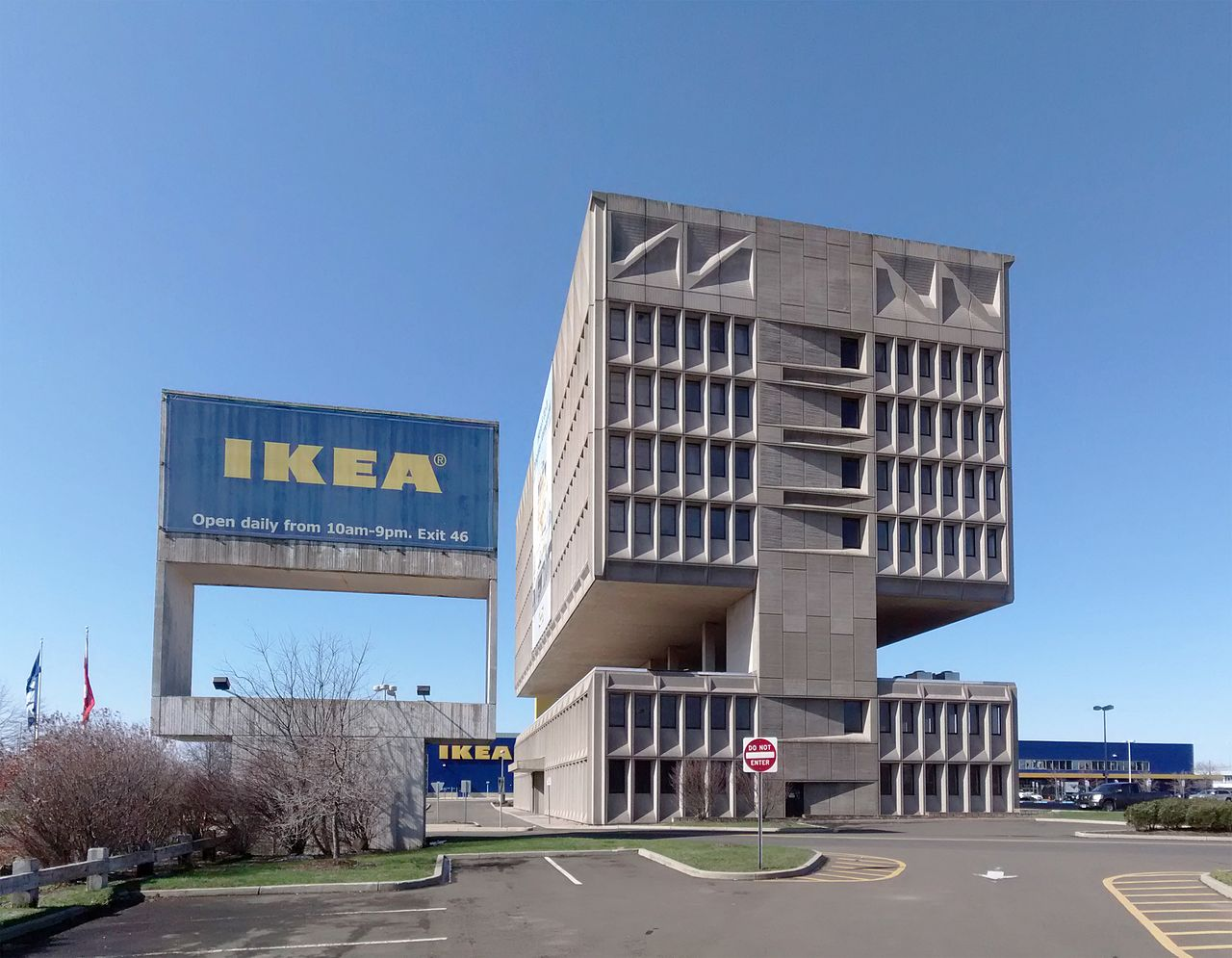 IKEA-Pirelli-Building-New-Haven-Connecticut-04-2014.jpg