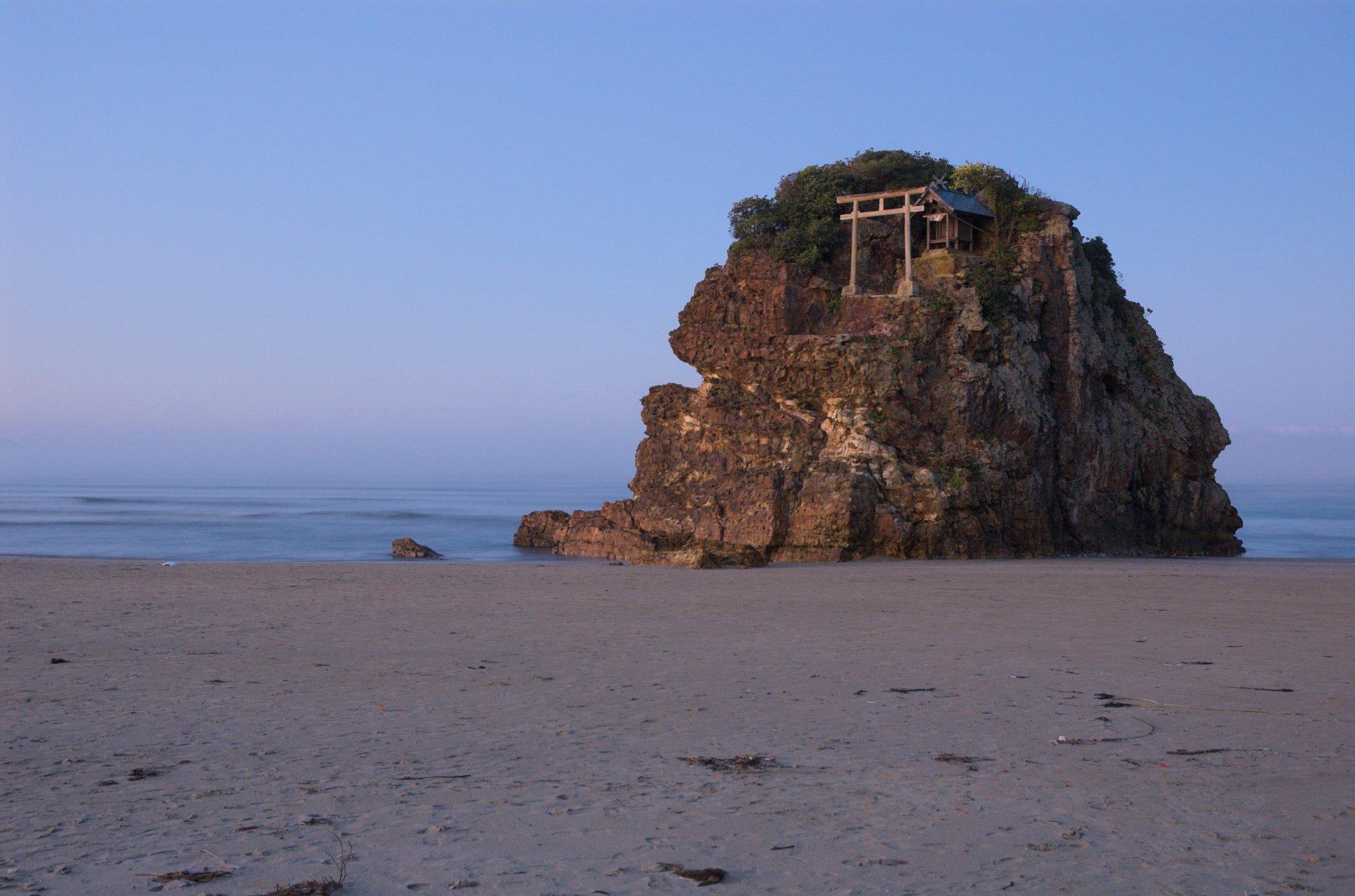 Inasa-beach-flickr.jpg