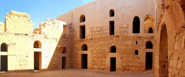 inside-qasr-kharana.jpg