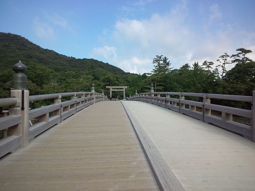 Ise_Shrine_Uji-bashi1.jpg