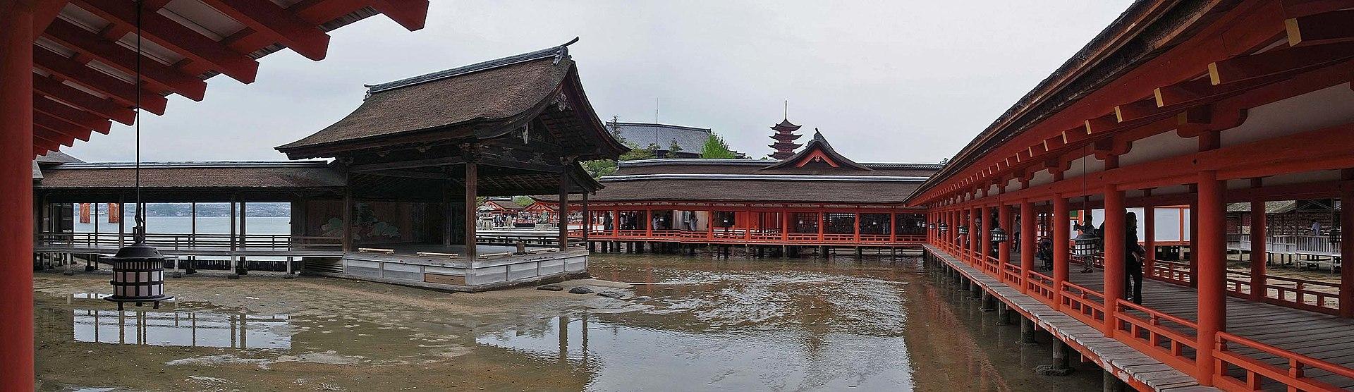 Itsukushima1920px-Noh_stage_,_能舞台_-_panoramio.jpg