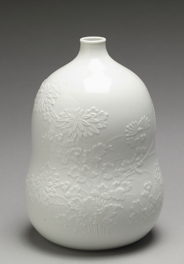 Japanese_-_Sake_Bottle_(-Tokkuri-)_with_Chrysanthemums_-_Walters_491762.jpg
