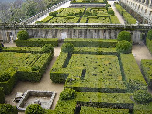 Jardin_de_Palacio_San_Lorenzo_de_El_Escorial.jpg