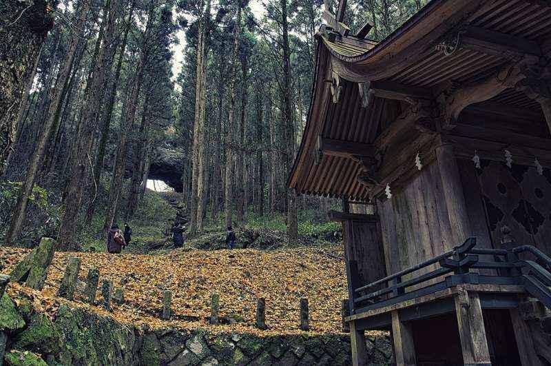 Kamishikimi-Kumanoimasu-Shrine5.jpg