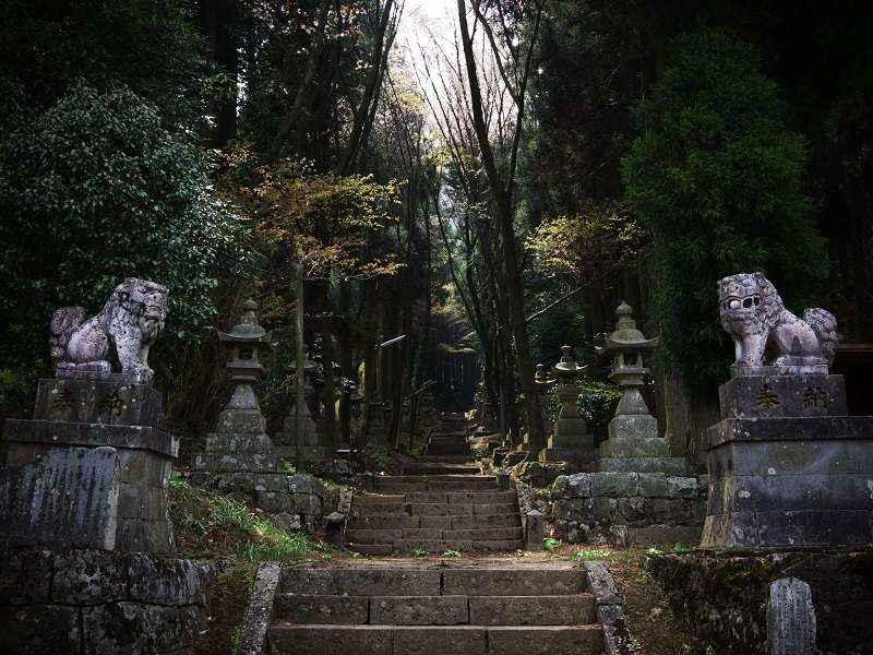 Kamishikimi-Kumanoimasu-Shrine8.jpg