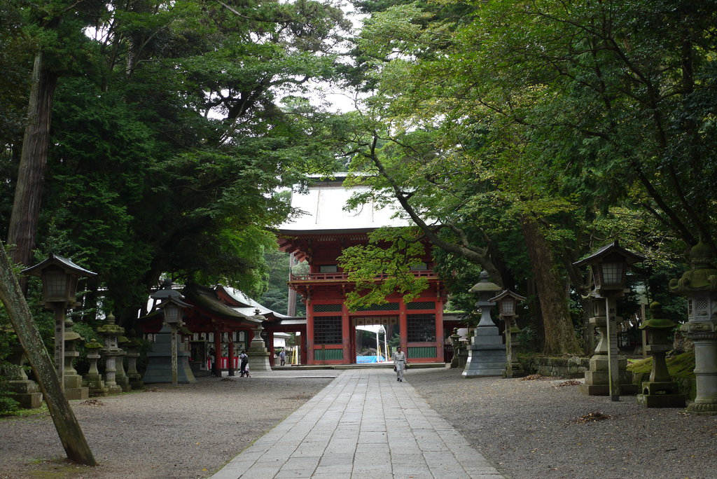 kashima_jingu_shrine_in_ibaraki_prefecture_by_lycanthrope1021-dak336t.jpg