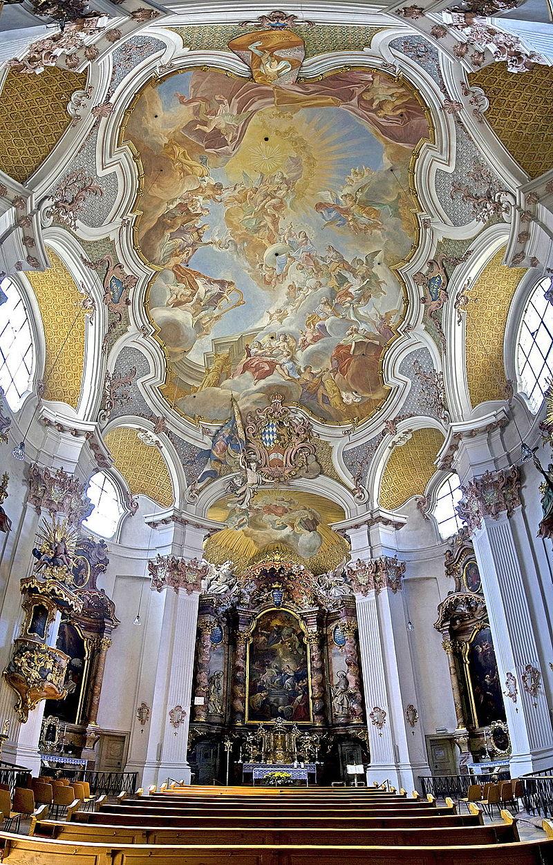 Klosterkirche_St._Anna_im_Lehel_-_Blick_zum_Hochaltar_und_Deckenfresko.jpg