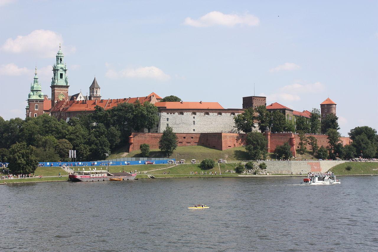 Krakow,_Wawel_Castle_(6381659163).jpg