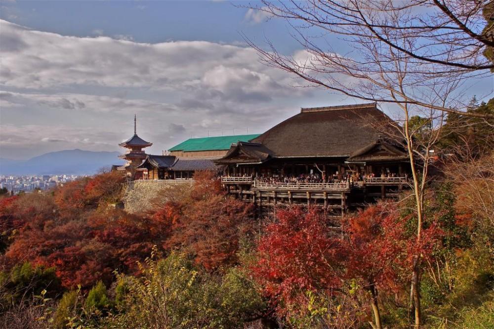 kyoto-autumn-season-at-kiyomizudera-27214.jpg