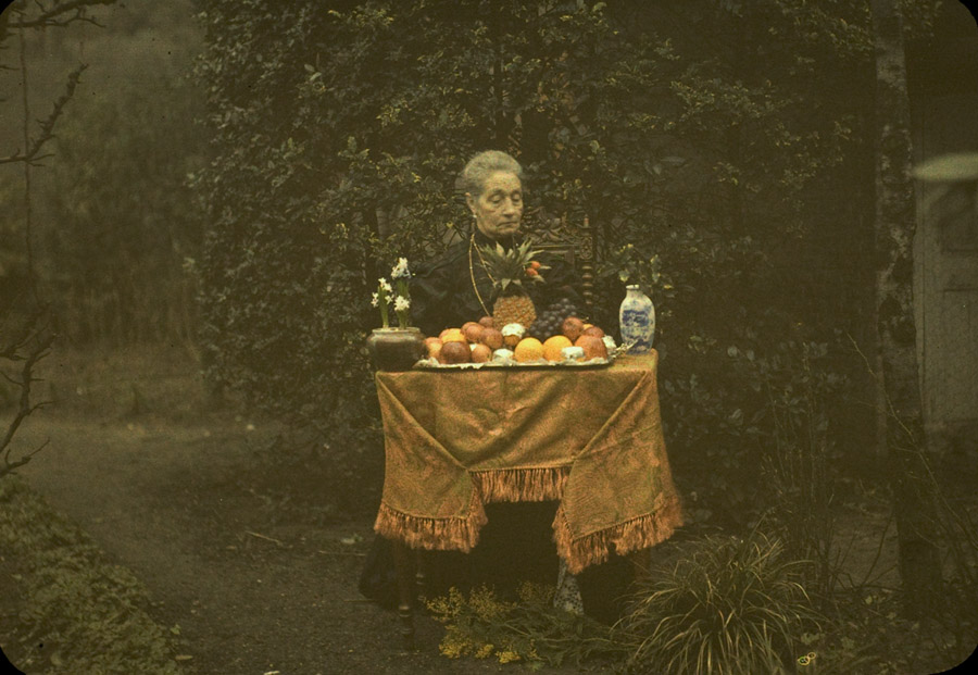 Lady and fruit dish ca. 1920.jpg