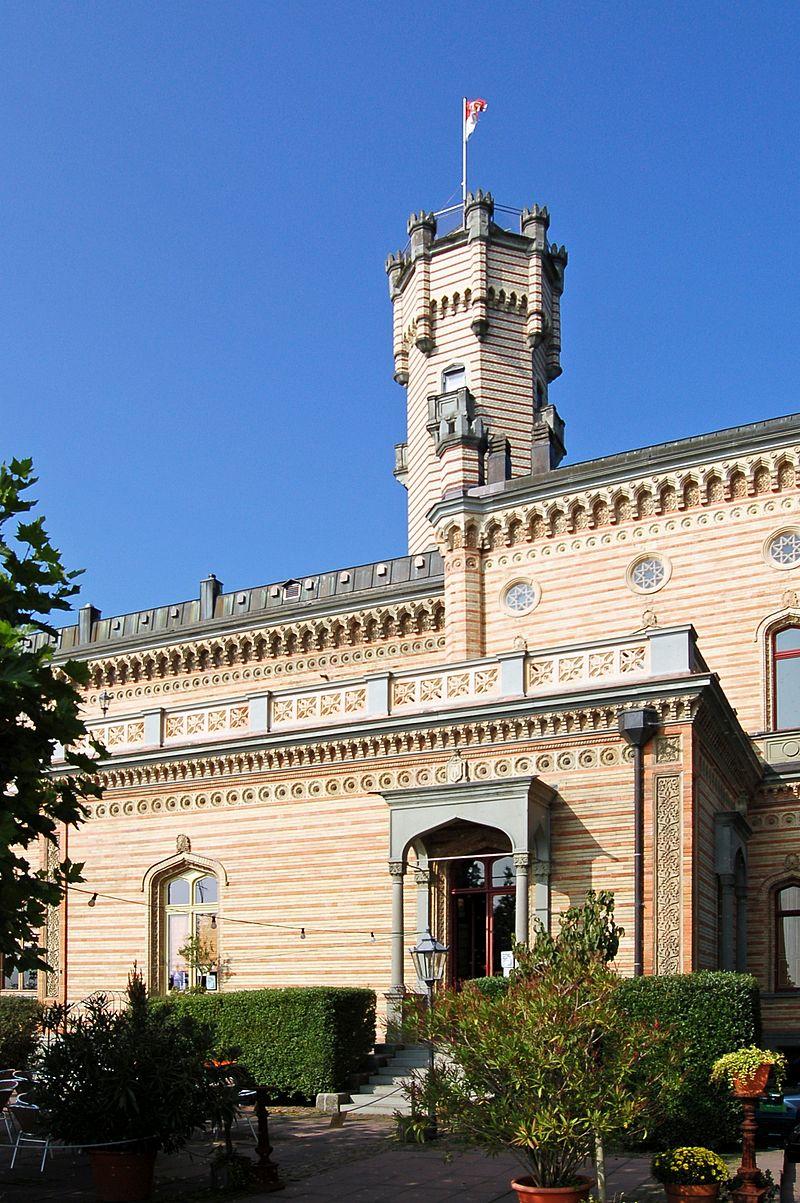 Langenargen_Schloss_Montfort_(9532464026).jpg