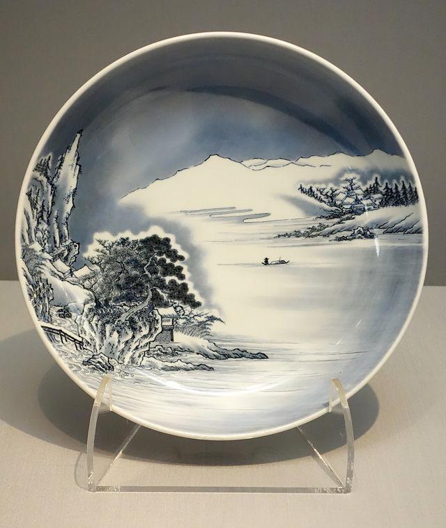Large_Dish,_Nabeshima_ware,_Edo_period,_18th_century,__DSC05321.JPG