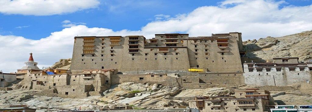 leh-royal-palace-leh-ho-leh-ladakh-tourist-attraction-1eb6vm5.jpg