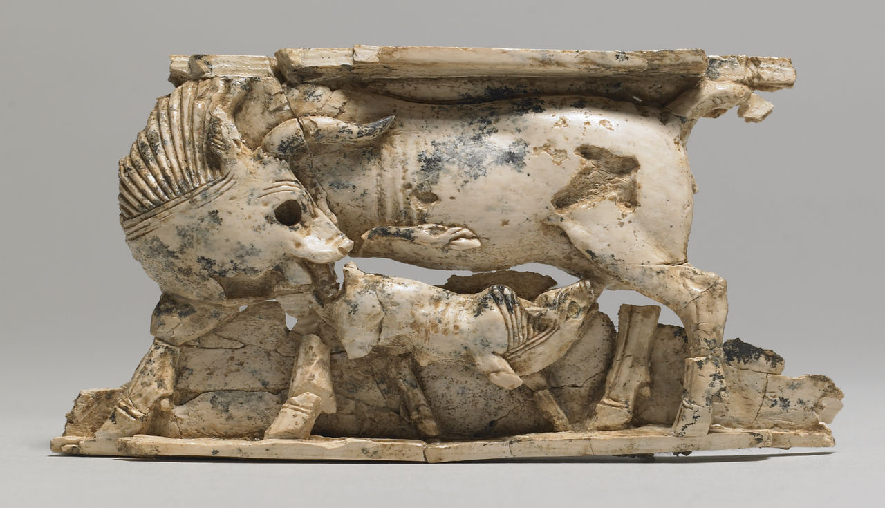 Levantine_-_Inlay_Cow_Suckling_a_Calf_-_Walters_711170.jpg