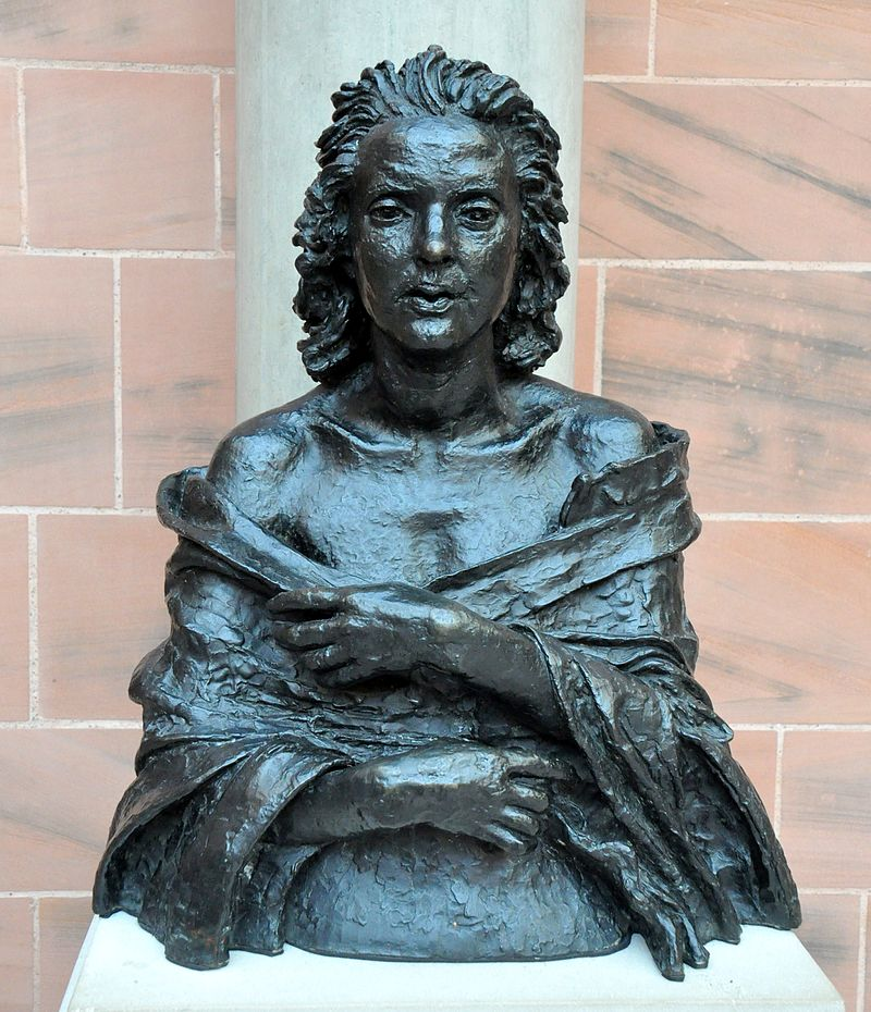 Lilian_Shelly,_1920._By_Sir_Jacob_Epstein._Bronze._The_Burrell_Collection,_Glasgow,_UK.jpg