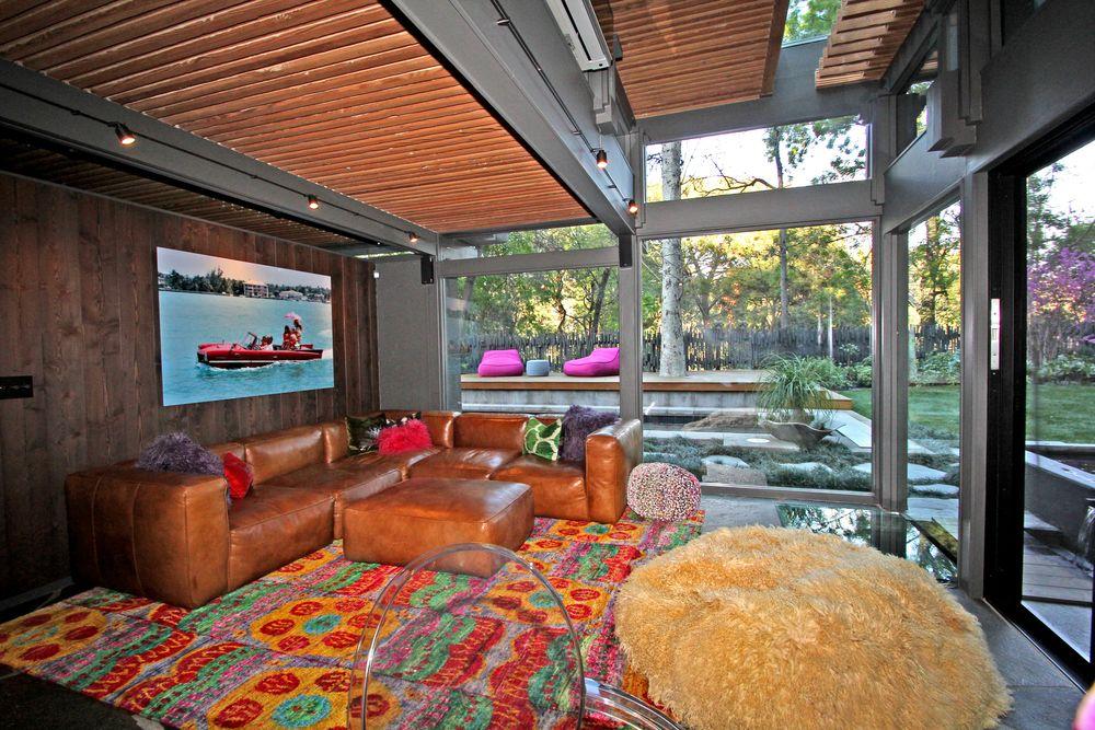 Living Room-23.jpg