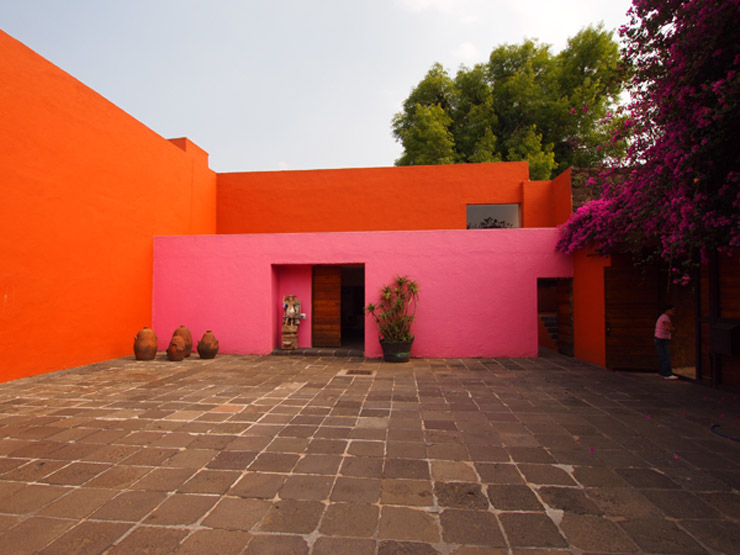 Luis_barragan_orange-and-pink-house.jpg