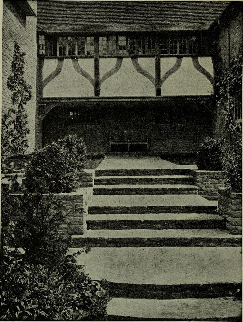 Lutyens_houses_and_gardens_(1921)_(14763850035).jpg