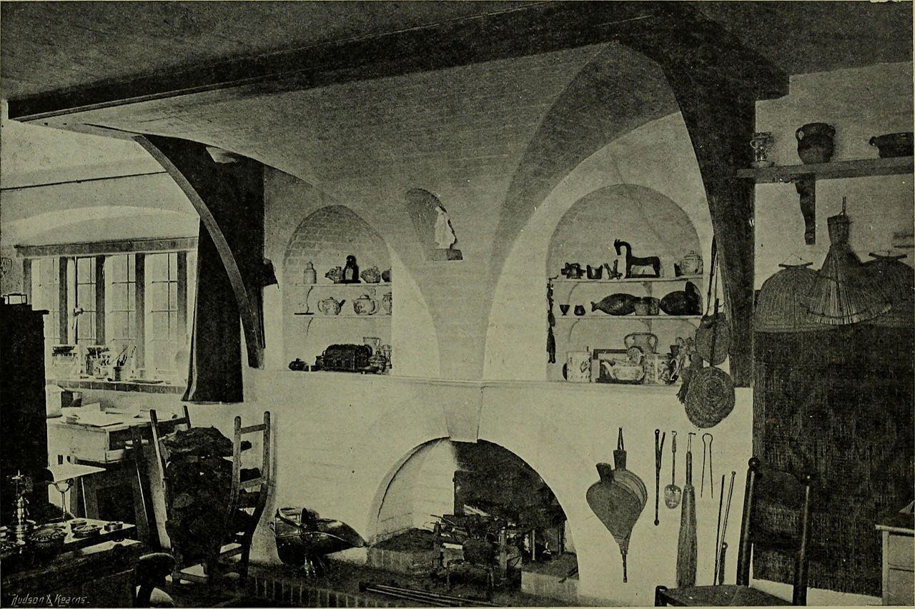 Lutyens_houses_and_gardens_(1921)_(14783696863).jpg