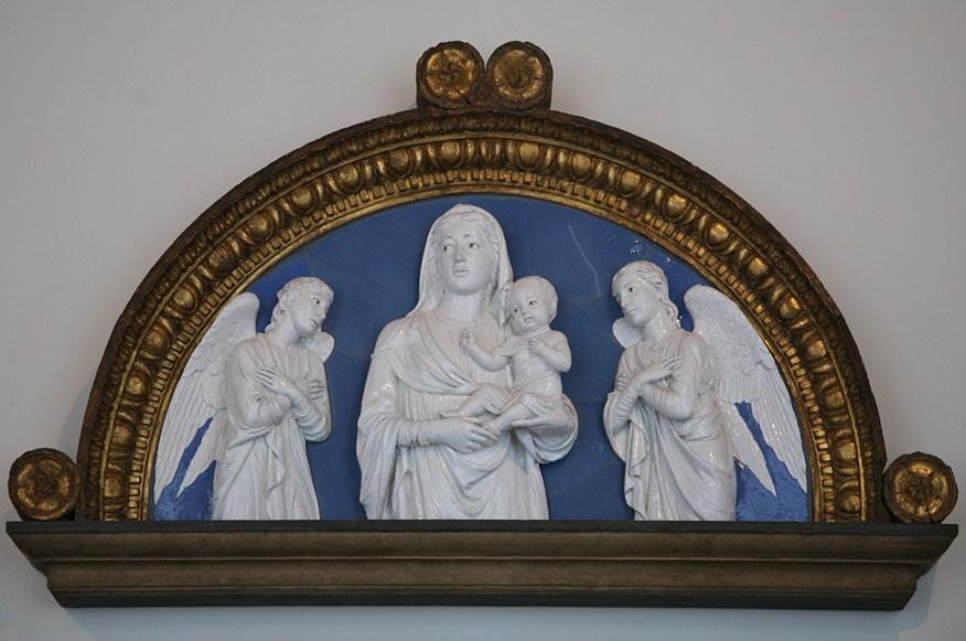 madonna-con-dos-angeles-luca-della-robbia.jpg