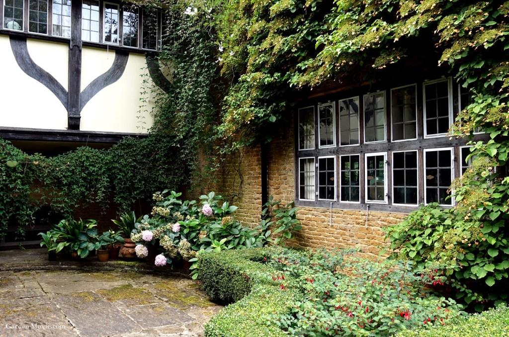 Main-house-munsteadwood-2 (1).jpg
