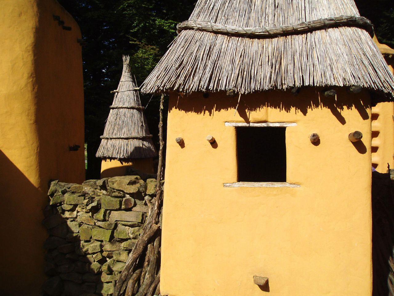 Mali_dogon_houses_josef_stuefer.jpg