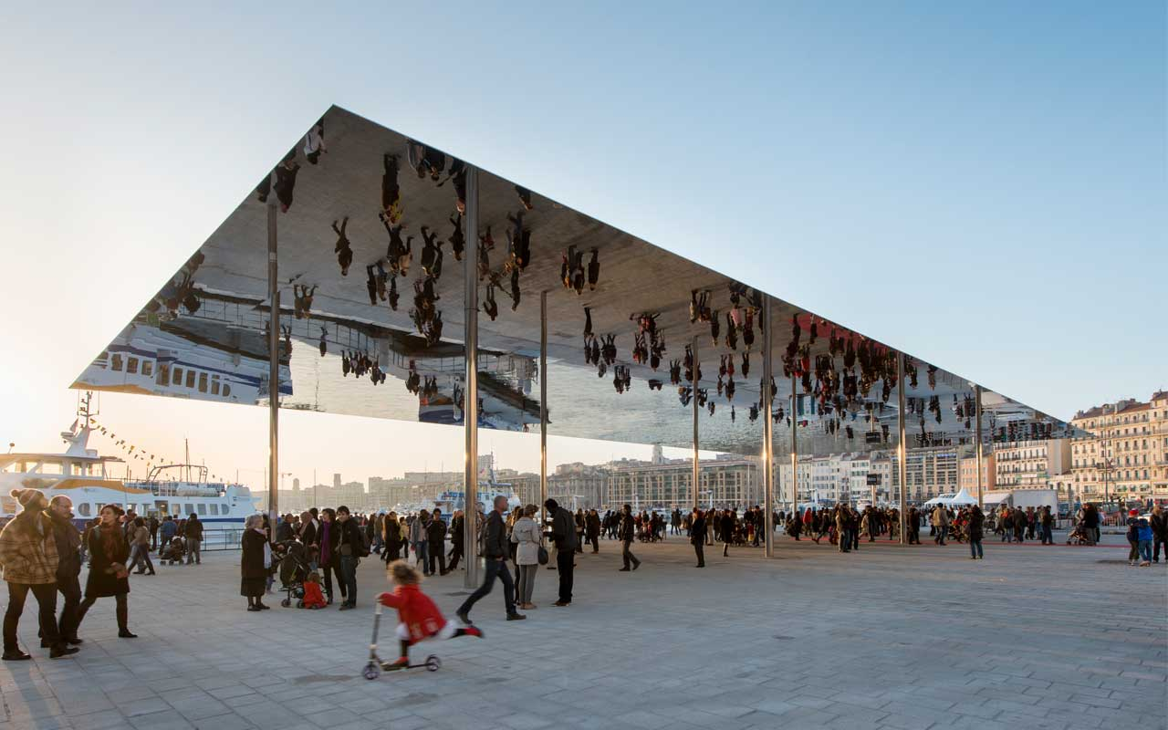 Marseille-Vieux-Port-Mirrored-Architecture-Pavilion-by-Foster-and-Partners.jpg