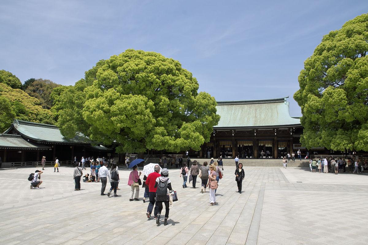 Meiji-Jingu-Shrine-04.jpg