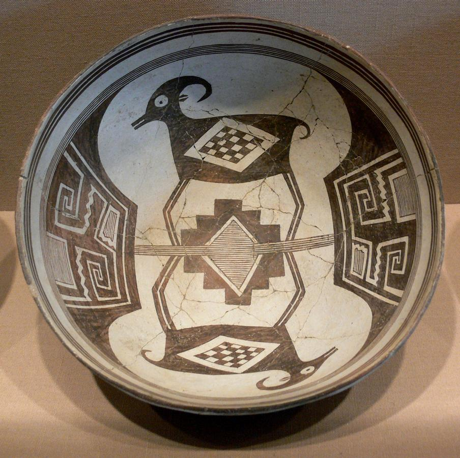 Mimbres_Bowl_with_bighorn_sheep_and_geometrical_design_224_DMA_1990-215-FA.jpg