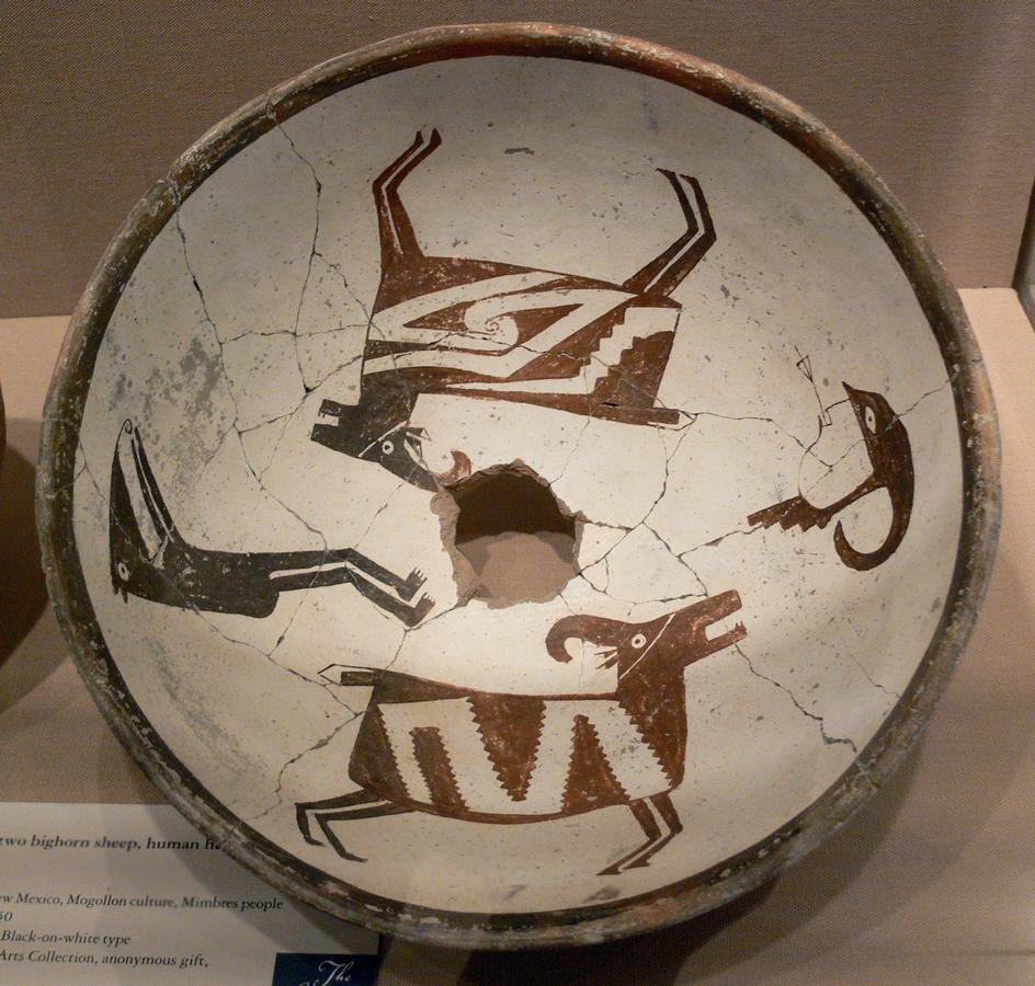 Mimbres_Bowl_with_two_bighorn_sheep_human_head_and_figure_DMA_1990-219-FA.jpg