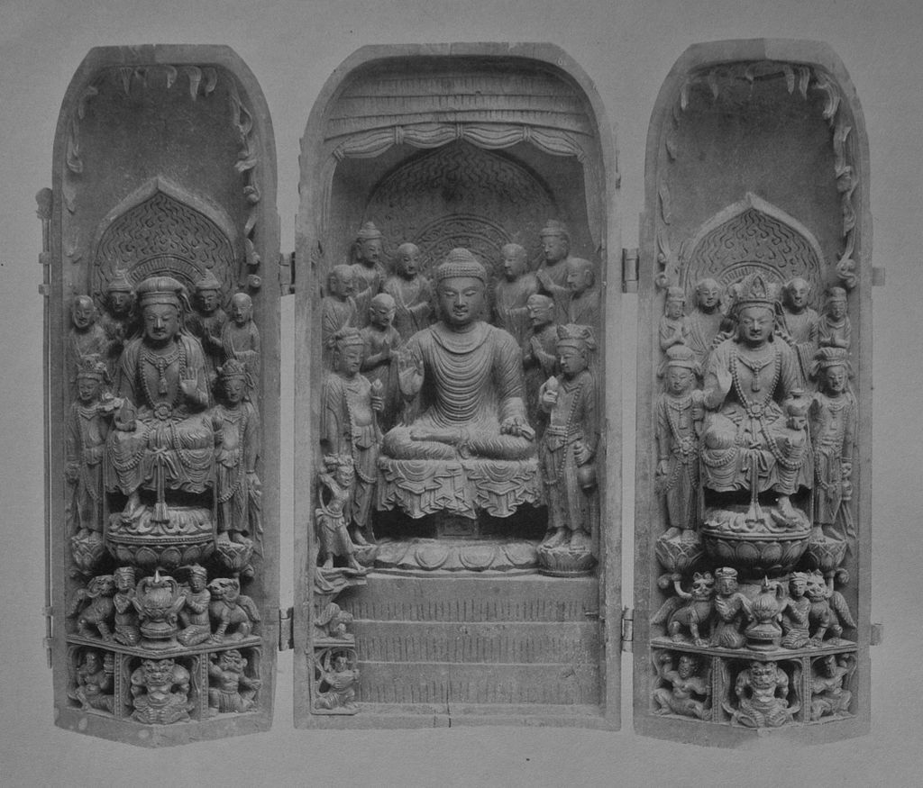 Miniature_Buddhist_shrine_Kongobuji8в.jpg