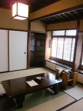 mitaka-yamamoto-yuzo.jpg