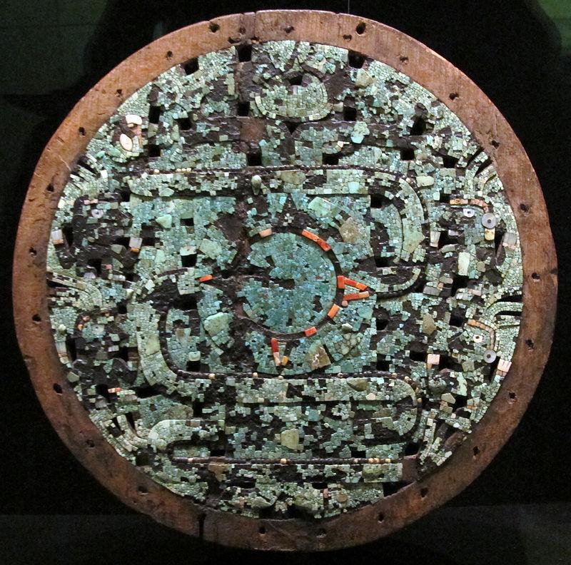 Mixtechi-aztechi,_scudo_cerimoniale,_1400-1521_circa.JPG