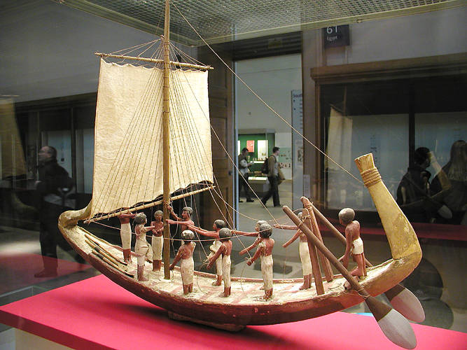 Model_boat_from_the_Middle_Kingdom.jpg